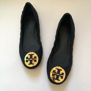 Tory Burch quilted Reva flat with gold logo 6.5